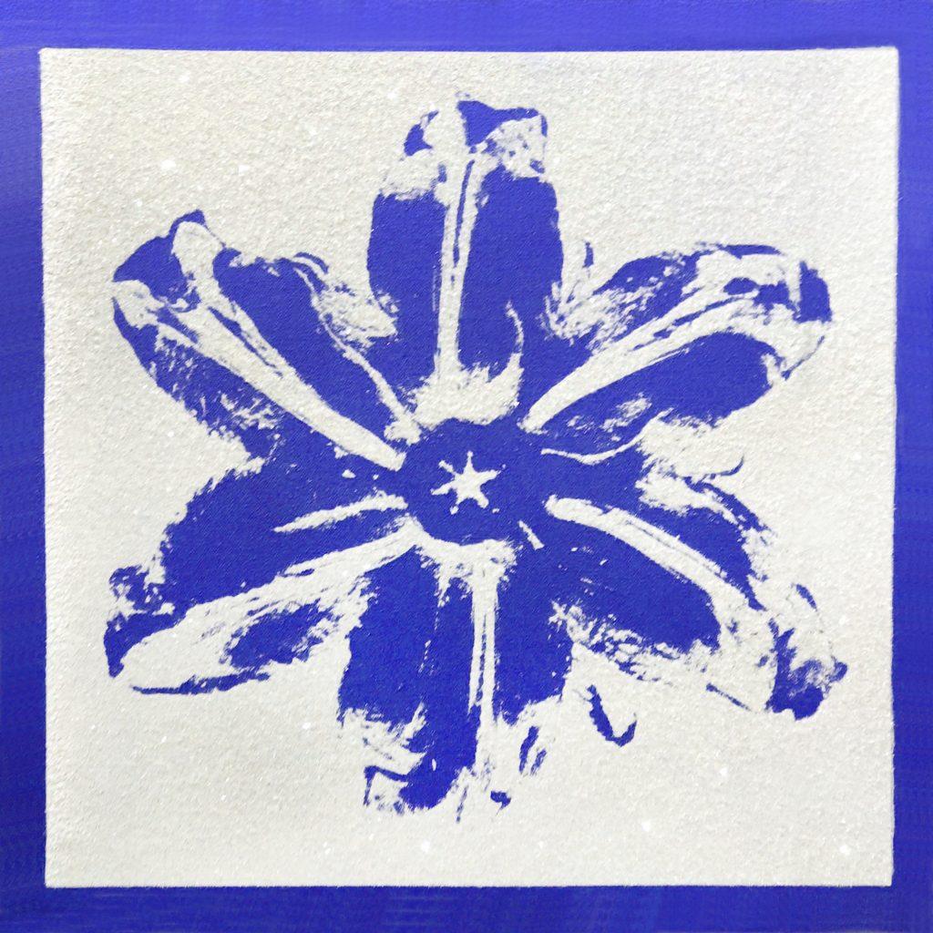 Rubem Robierb, Power Flower Blue on White